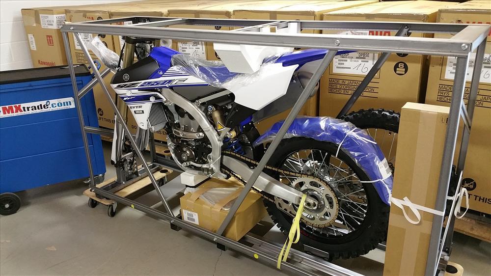emxtrade vente motos de cross en caisse yamaha yzf 250. Black Bedroom Furniture Sets. Home Design Ideas