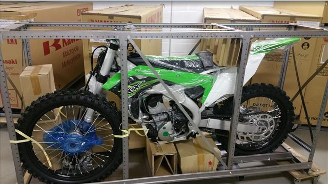 emxtrade kawasaki motocross motos de cross en caisse neuves kawasaki kxf 250 2017. Black Bedroom Furniture Sets. Home Design Ideas