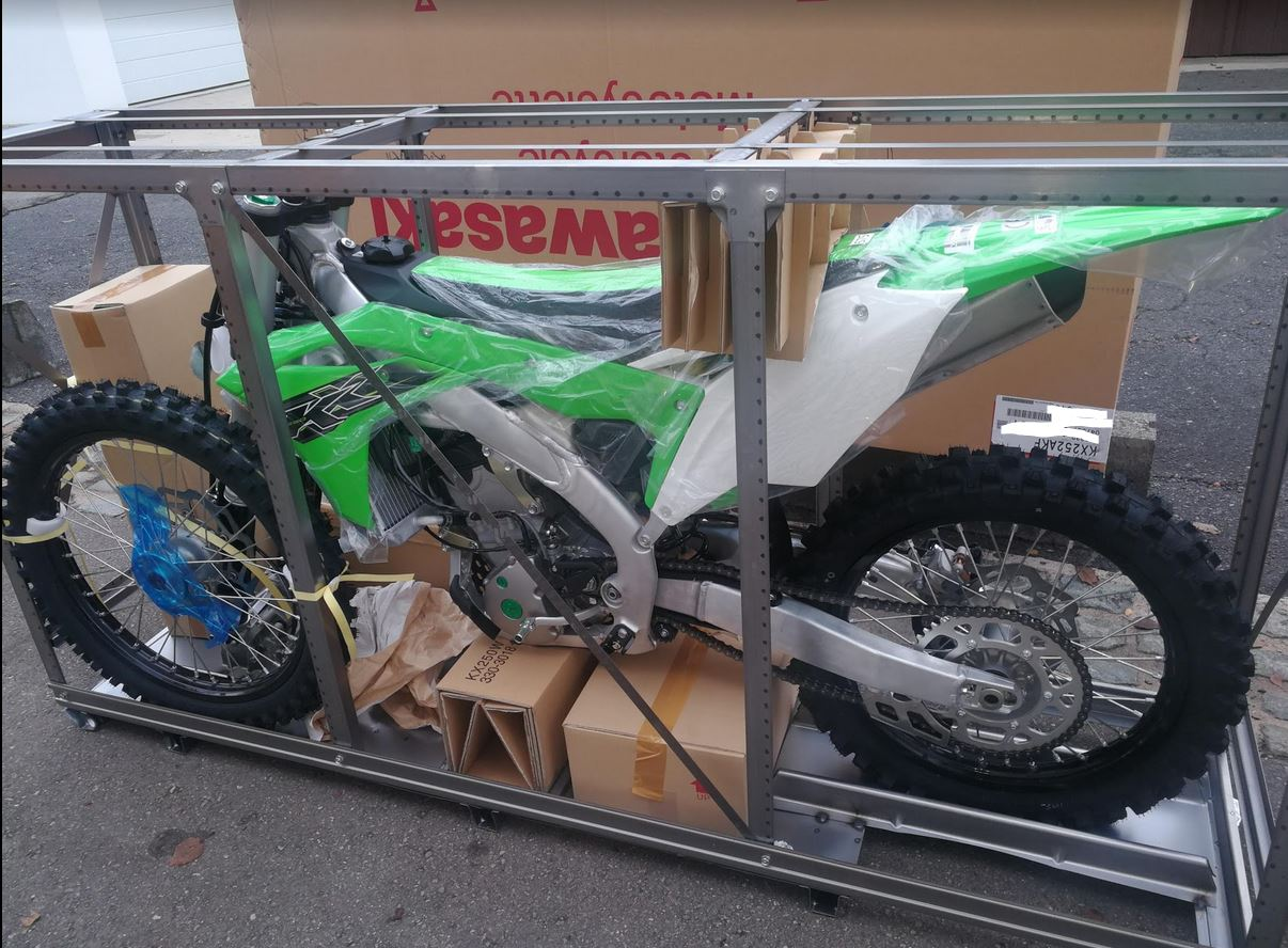 emxtrade kawasaki motocross motos de cross en caisse neuves kxf250 2019. Black Bedroom Furniture Sets. Home Design Ideas